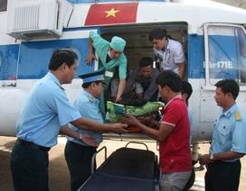 Điều trực thăng chuyển bệnh nhân từ Phú Quốc về TPHCM cấp cứu