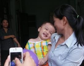 Mẹ bé trai bị bỏ rơi trên taxi không đến nhận con do bị bệnh?