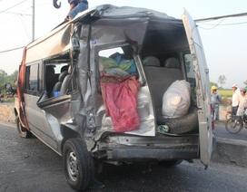 Xe đầu kéo húc đuôi xe khách, 1 người tử vong