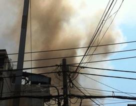 Cháy lớn thiêu rụi căn nhà 2 tầng
