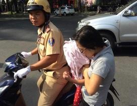 CSGT đưa hơn 40 trẻ đi bệnh viện trong thời gian cấm đường