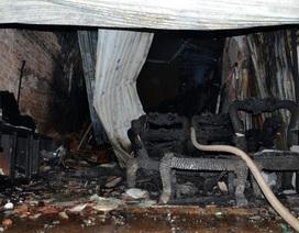 Cháy rụi 3 căn nhà trên quốc lộ 50