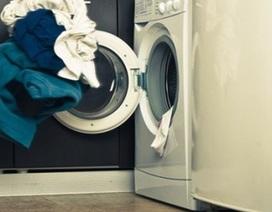 Bé trai 7 tuổi chết ngạt trong máy giặt
