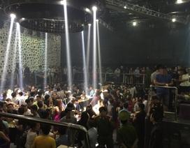 Gần 250 khách chơi nhốn nháo khi cảnh sát ập vào kiểm tra quán bar