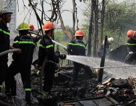 Cháy rụi căn nhà lá, cụ ông 90 tuổi may mắn thoát nạn