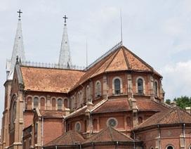 Sang Pháp tìm vật liệu trùng tu Nhà thờ Đức Bà