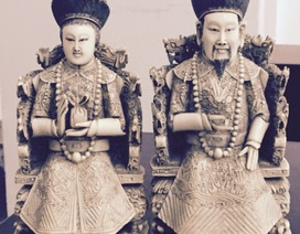 Hai bức tượng điêu khắc bị bắt tại Tân Sơn Nhất đều là ngà voi