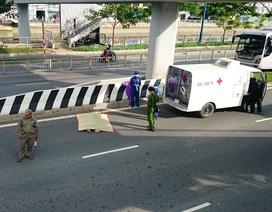 Tài xế hốt hoảng phát hiện người đàn ông rơi từ cầu cạn xuống đường