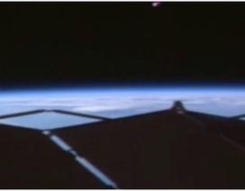 """Phát hiện """"UFO"""" lơ lửng gần Trạm vũ trụ quốc tế"""