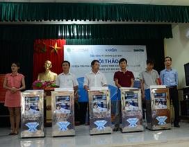 Karofi tặng 60 máy lọc nước đến bà con nghèo xã Đông Lỗ, huyện Ứng Hòa