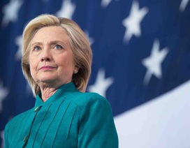 """Bà Clinton sẵn sàng """"đối đầu"""" với ứng cử viên Donald Trump"""