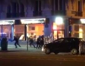 """Đấu súng dữ dội bên ngoài rạp hát Paris trong vụ thảm sát """"máu lạnh"""""""