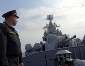 Tuần dương hạm tên lửa Nga canh gác bờ biển Syria
