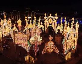Thủ đô nước Nga lung linh sắc màu trong đêm