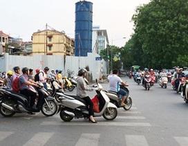 Tranh cãi buộc xe máy bật đèn ban ngày
