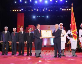 Tạp chí Cộng sản đón nhận Huân chương Hồ Chí Minh lần thứ hai