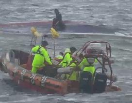 Lật tàu tại Hàn Quốc, ít nhất 8 người thiệt mạng