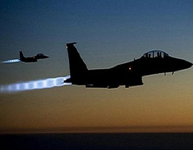 """Liên quân Mỹ có """"tay trong"""" của IS, báo trước các vụ không kích?"""