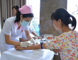 Bệnh viện ung bướu Hưng Việt khám miễn phí cho 40 độc giả nữ nhân ngày 20/10