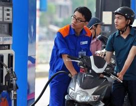 """""""Xót ruột"""" giá xăng dầu trong tăng ngoài giảm"""