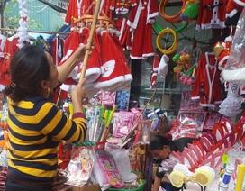 Noel tràn ngập đồ chơi Trung Quốc