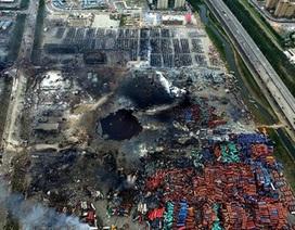 """[Photo] """"Lỗ đen"""" khủng khiếp sau vụ nổ hóa chất ở Thiên Tân"""