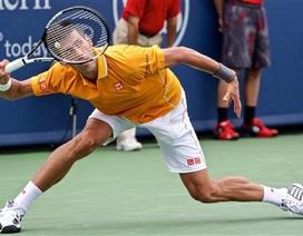 Djokovic, Wawrinka khó khăn ngay cửa ải đầu tiên