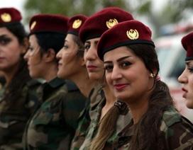 """Những """"bóng hồng"""" trong cuộc chiến chống IS"""
