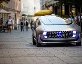 Mercedes sẽ ra xe chạy điện tính năng vận hành cao