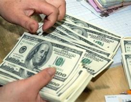 USD bốc hơi, vàng tụt giá: Dân giàu những ngày bất an