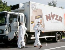 Hơn 70 người chết trong xe tải vô chủ