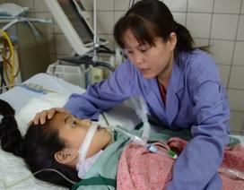Mong manh sự sống của bé gái 13 tuổi bị viêm cơ tim cấp