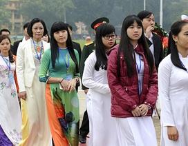 Đại biểu Tài năng trẻ Việt Nam báo công dâng Bác