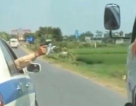 Tạm đình chỉ Đại úy CSGT nổ súng khống chế xe tải bỏ chạy