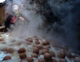 Đặc sản trứng luộc nước tiểu ở Trung Quốc