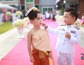 Bố mẹ bỏ tiền tỷ làm đám cưới cho... cặp nhóc tỳ sinh đôi