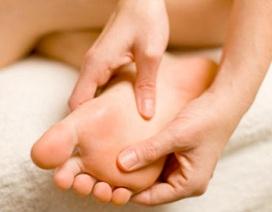 Ngứa chân ban đêm có thể là dấu hiệu của suy gan