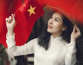Thiếu nữ nô nức khoe ảnh áo dài màu cờ Tổ quốc