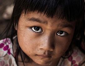 """Lặng ngắm những """"đôi mắt Việt Nam"""" trong bộ ảnh gây sốt"""