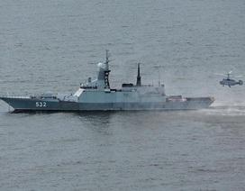 Lộ bộ ảnh mãn nhãn về tàu hộ tống hiện đại nhất của Nga