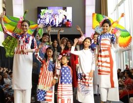 """Thời trang Việt tạo nên """"sự biến đổi kỳ diệu"""" ở thủ đô Mỹ"""