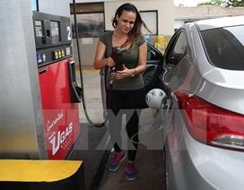 Thị trường dầu mỏ giảm giá tuần thứ 3 liên tiếp trong một tháng