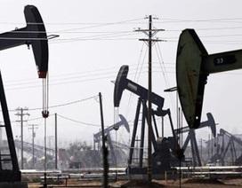 """Giá dầu lao dốc mạnh, hơn 200 tỉ USD """"bốc hơi"""""""