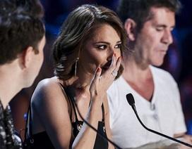 Hôn nhân rạn vỡ, nữ giám khảo X-factor bật khóc trên truyền hình