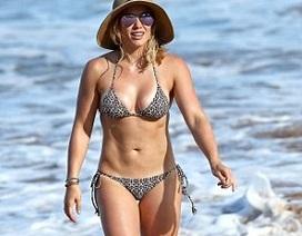 Hilary Duff khoe dáng săn chắc trên biển