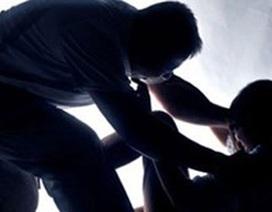 Vào nhà trộm tài sản, thấy nữ chủ nhà ngủ say nên hiếp dâm