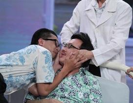Hoài Linh ép Chí Tài hôn Hứa Minh Đạt