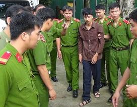 Cận cảnh 2 bị can thực nghiệm hiện trường vụ thảm sát ở Bình Phước