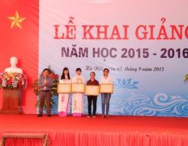 Quỹ học bổng Dạ Hương tiếp tục trao học bổng cho các nữ thày thuốc tương lai