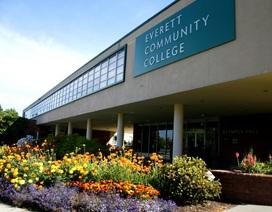 Học cao đẳng cộng đồng - Con đường an toàn và tiết kiệm để vào đại học Mỹ